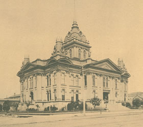 Picture of courthouse in Oakland.